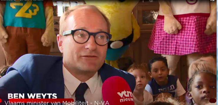 Video: VTM Nieuws: Aya op School-Campagne